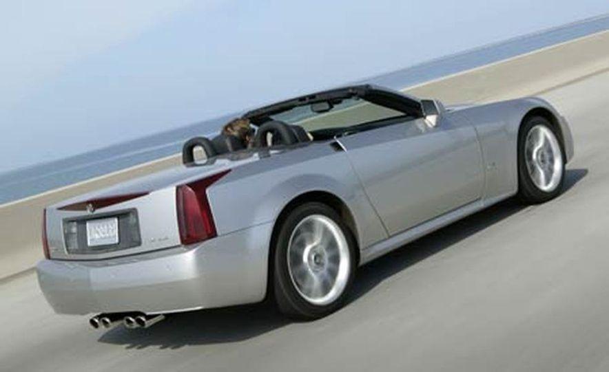 Cadillac XLR-V - Slide 17