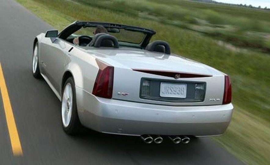 Cadillac XLR-V - Slide 19