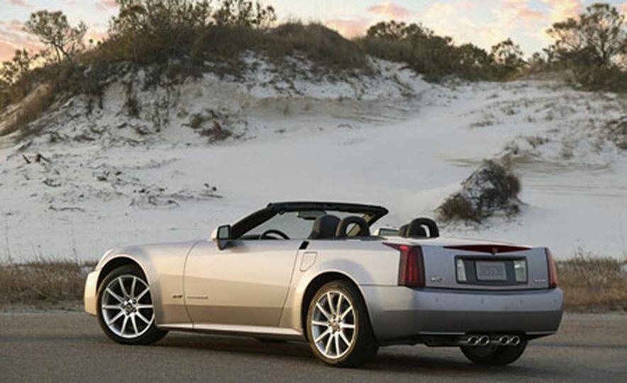 Cadillac XLR-V - Slide 2