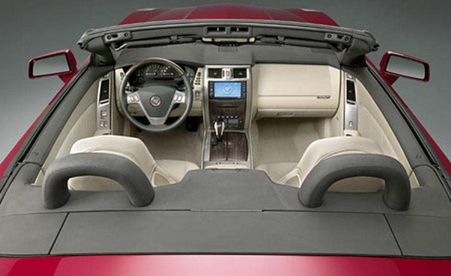 Cadillac XLR-V - Slide 9