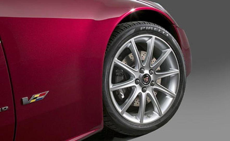Cadillac XLR-V - Slide 10