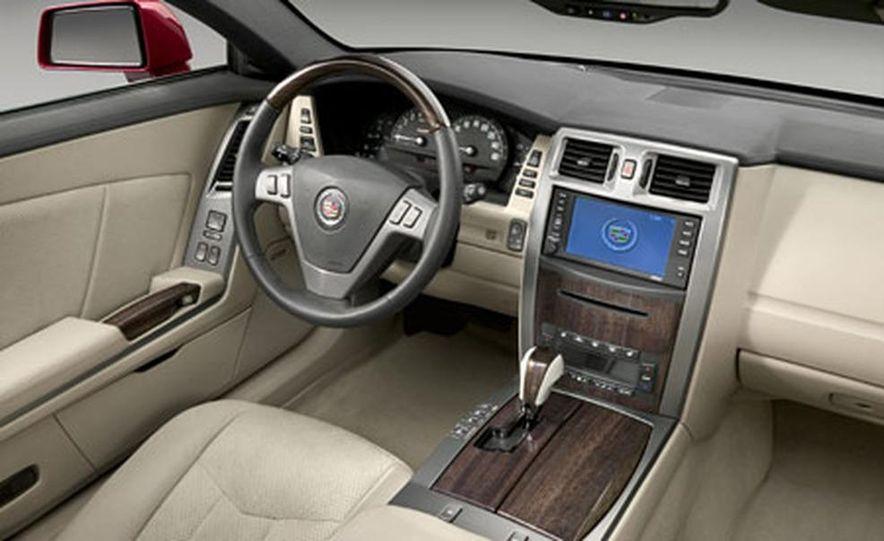 Cadillac XLR-V - Slide 11