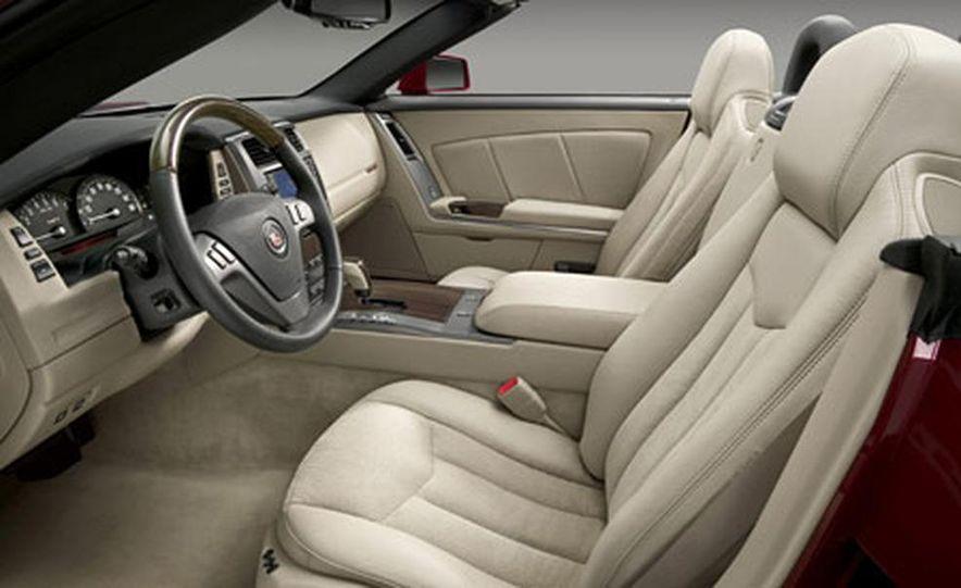Cadillac XLR-V - Slide 12