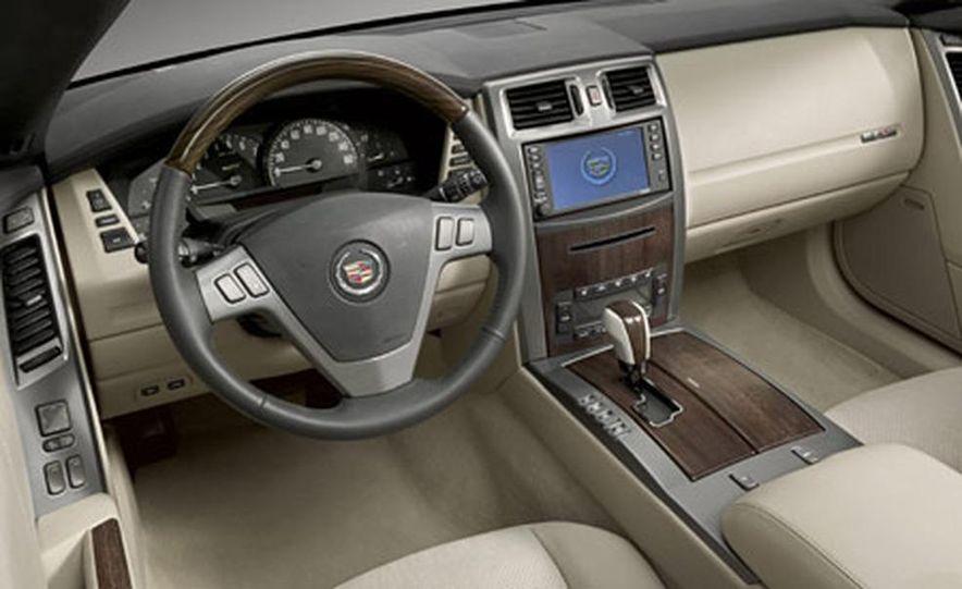 Cadillac XLR-V - Slide 13