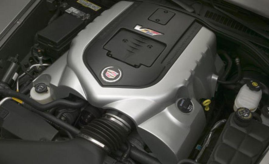 Cadillac XLR-V - Slide 14