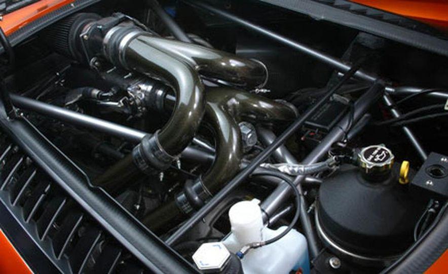 Saleen S7 Twin Turbo - Slide 5