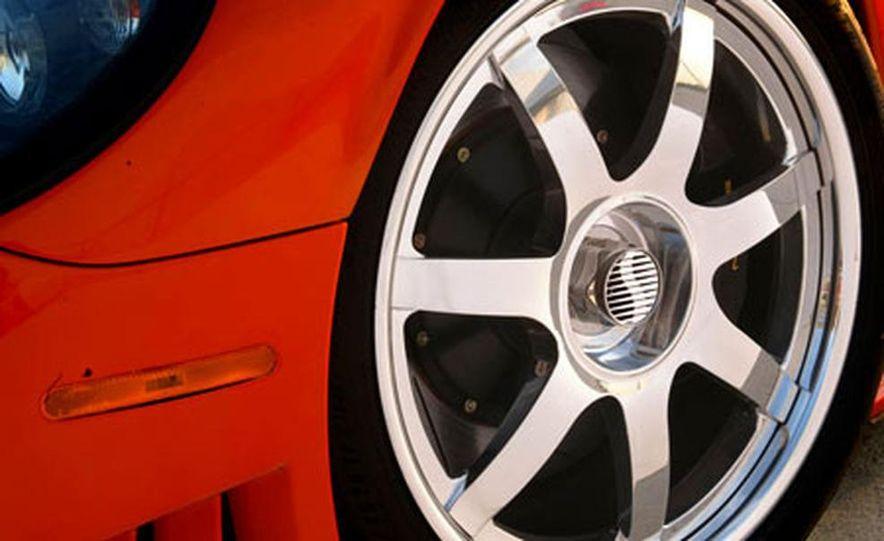 Saleen S7 Twin Turbo - Slide 14