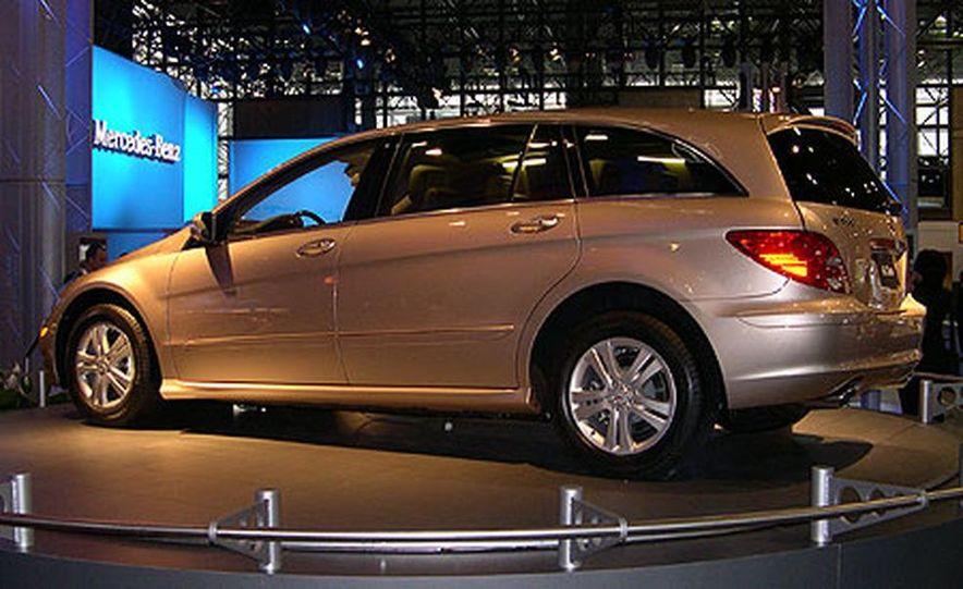 Mercedes-Benz R-Class - Slide 1