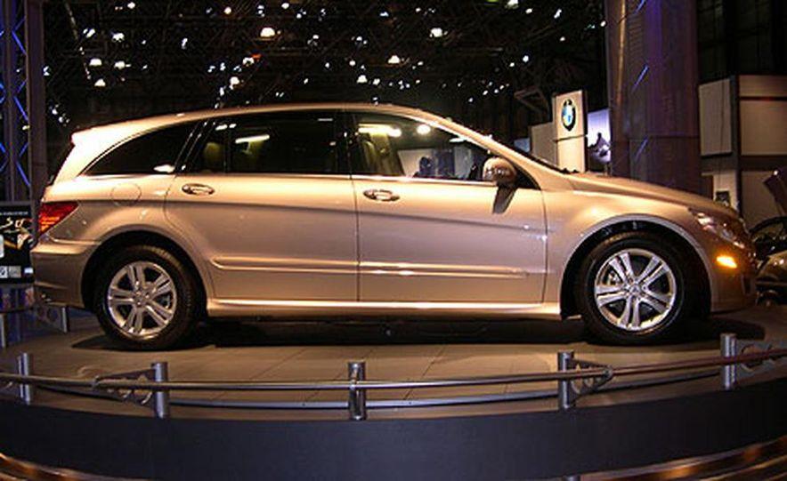 Mercedes-Benz R-Class - Slide 3