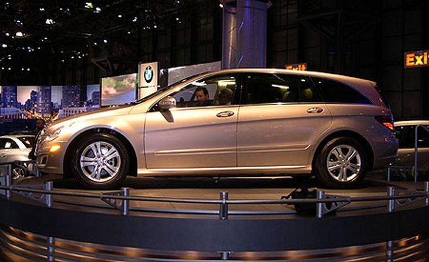 Mercedes-Benz R-Class - Slide 7