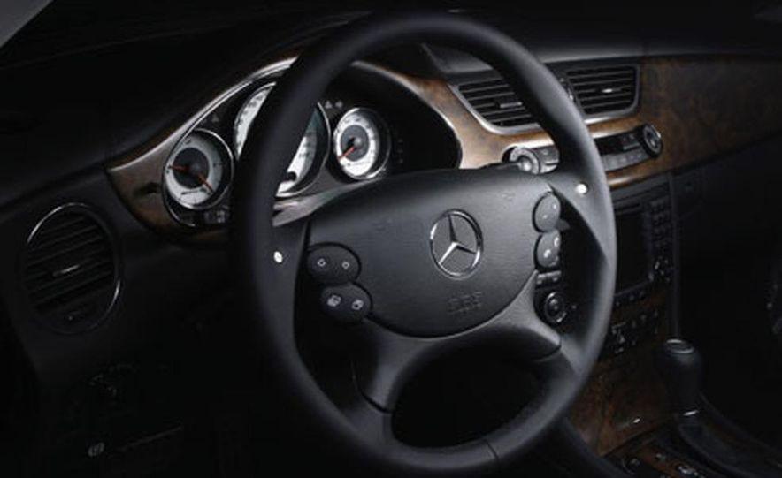 Mercedes-Benz CLS55 AMG - Slide 1