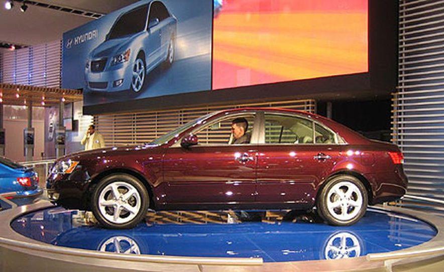 Hyundai Sonata - Slide 1