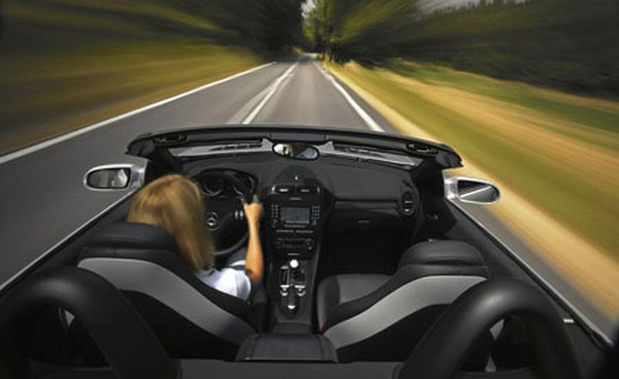 Mercedes-Benz SLK55 AMG - Slide 3
