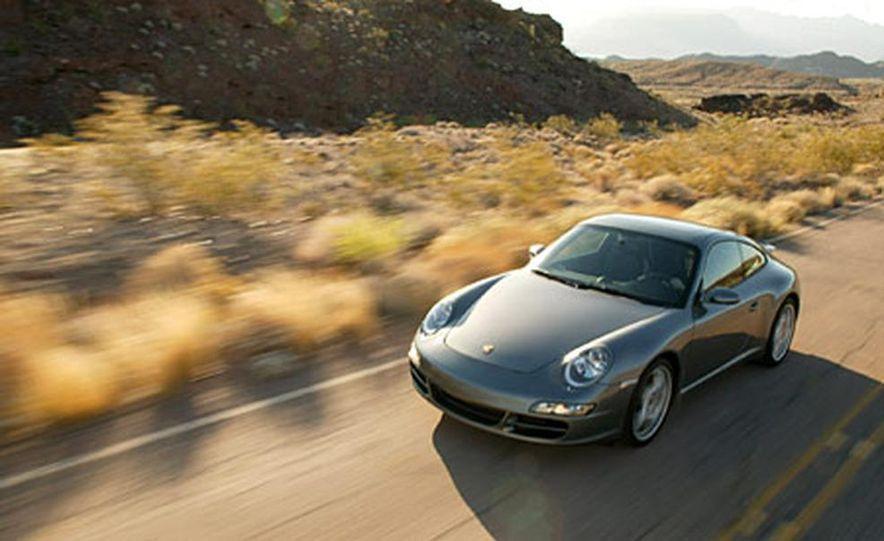 Porsche 911 Carrera S - Slide 1