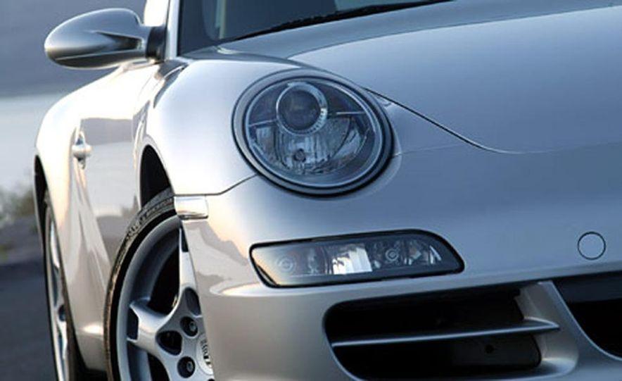 Porsche 911 Carrera S - Slide 8