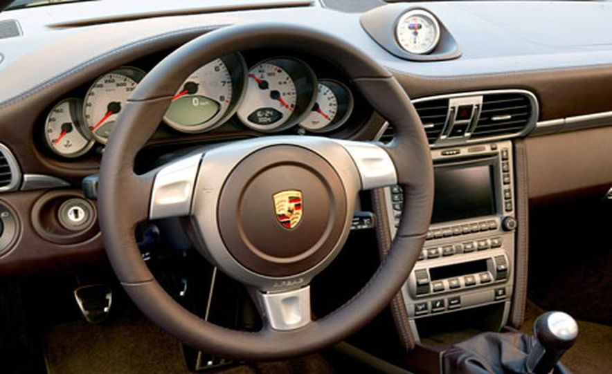 Porsche 911 Carrera S - Slide 9