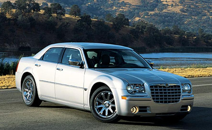 2007 Chrysler 300C Touring AWD - Slide 14