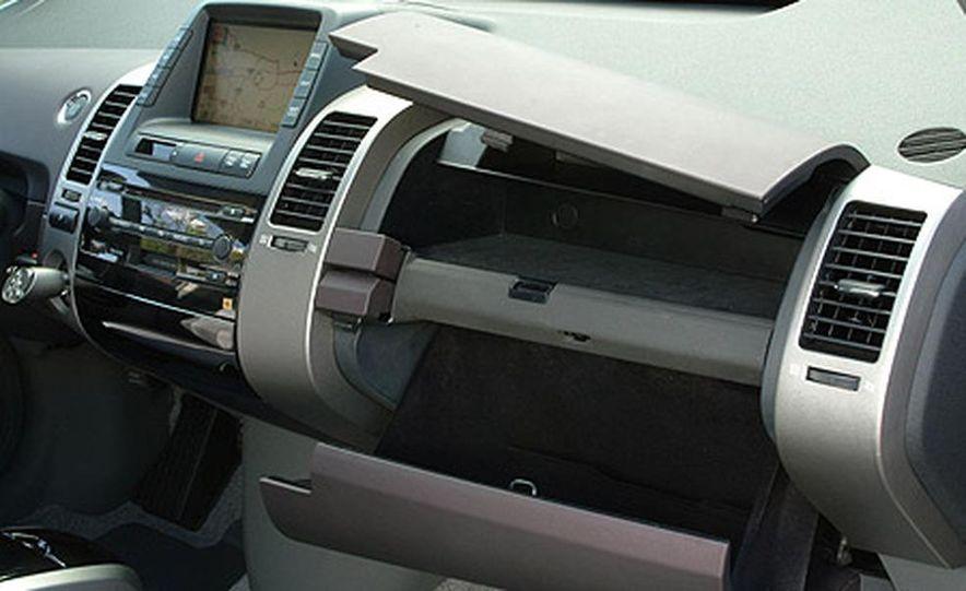 Toyota Prius - Slide 4