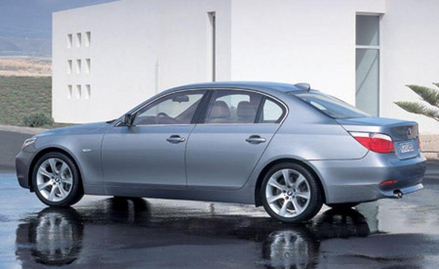 BMW 530i - Slide 1
