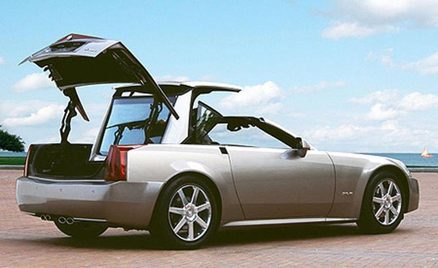 2004 Cadillac XLR - Slide 8