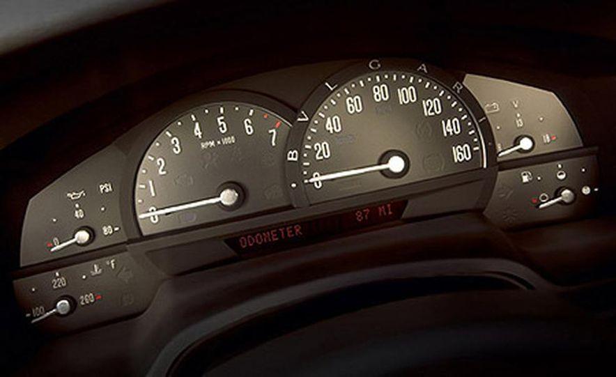 2004 Cadillac XLR - Slide 6