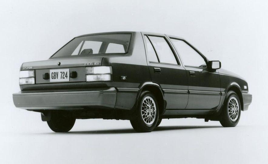 1986 Hyundai Excel GLS sedan - Slide 2