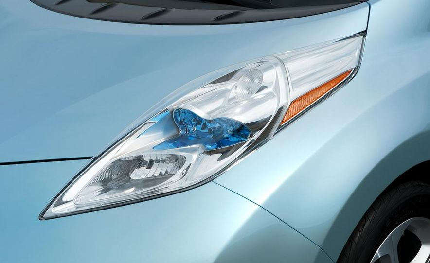 2011 Nissan Leaf - Slide 33