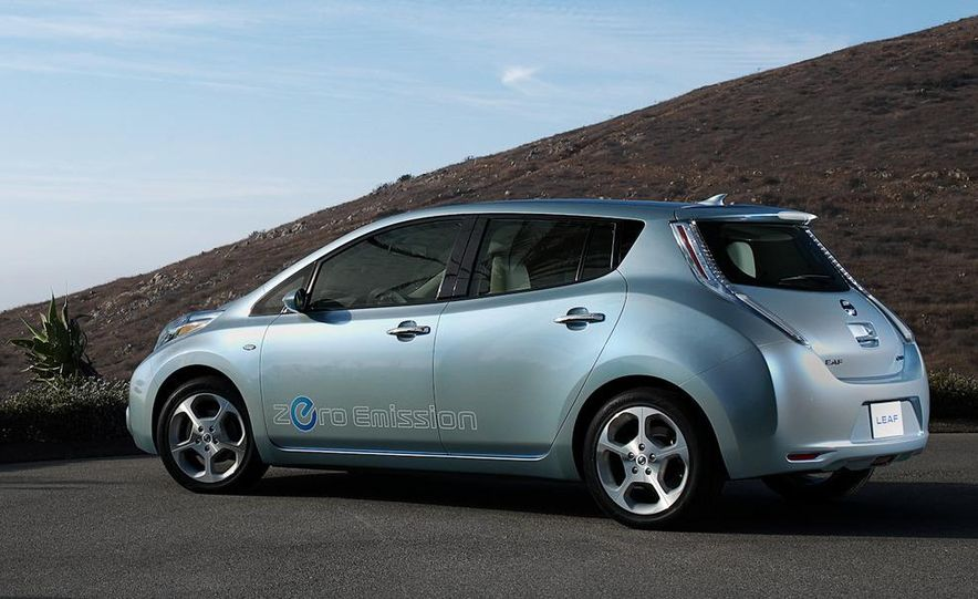 2011 Nissan Leaf - Slide 4