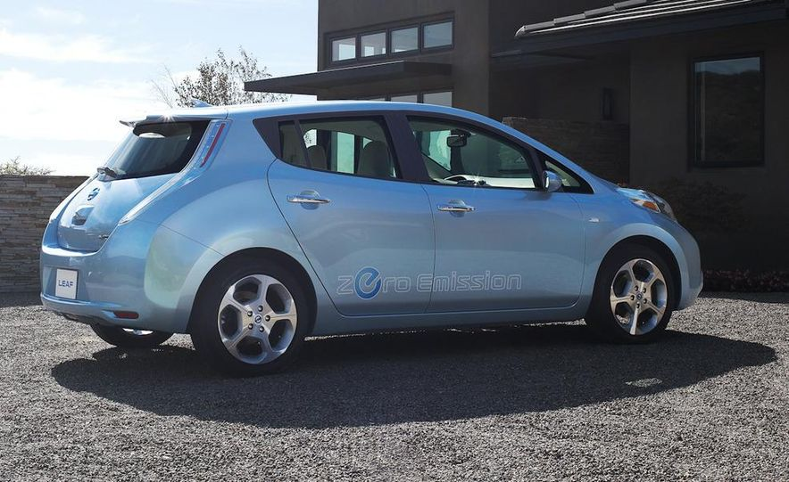 2011 Nissan Leaf - Slide 5