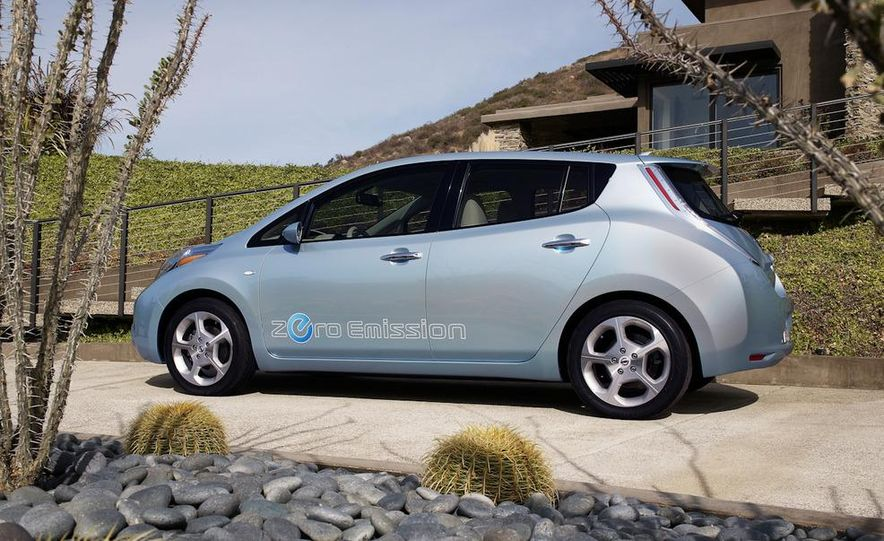 2011 Nissan Leaf - Slide 18