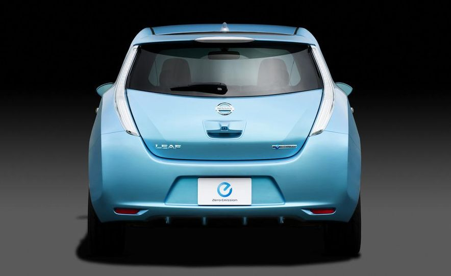 2011 Nissan Leaf - Slide 20