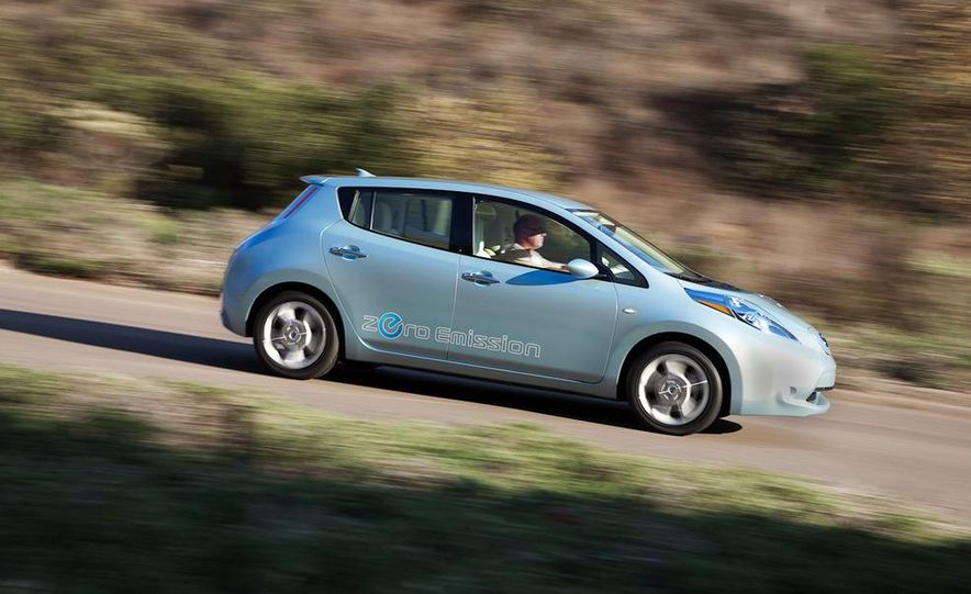 2011 Nissan Leaf - Slide 1