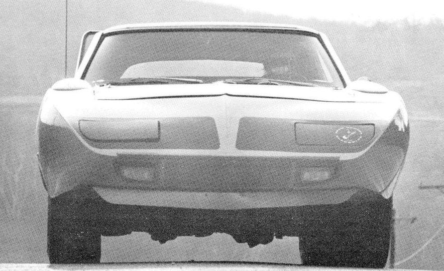 1970 Plymouth Road Runner Superbird - Slide 1