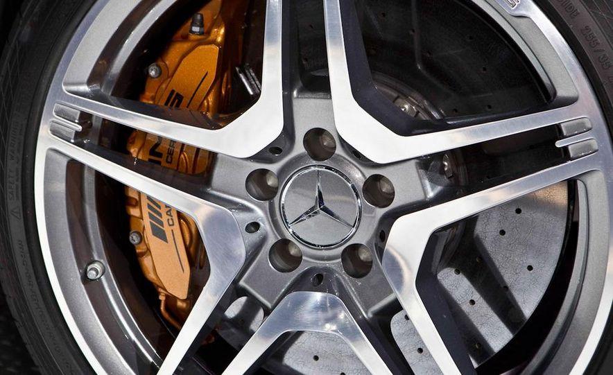 2012 Mercedes-Benz CLS63 AMG - Slide 9
