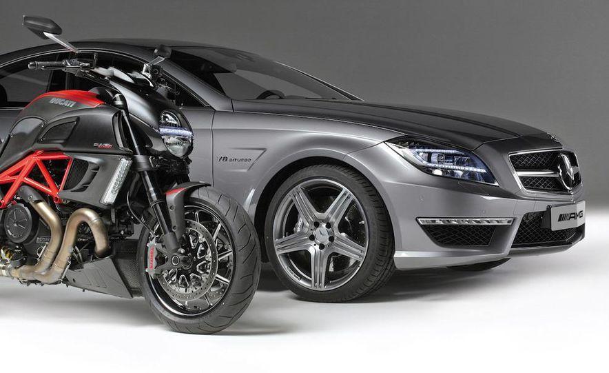 2012 Mercedes-Benz CLS63 AMG - Slide 49