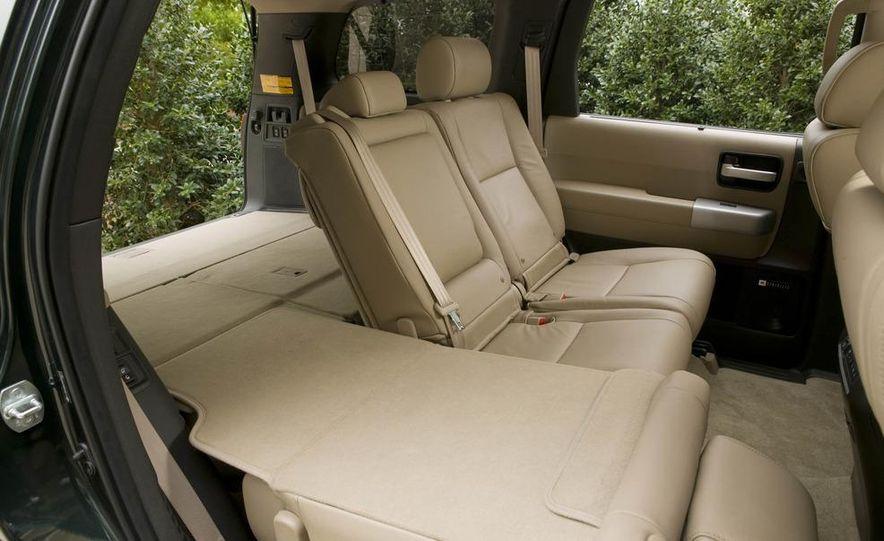 2008 Toyota Sequoia Platinum 4WD - Slide 9