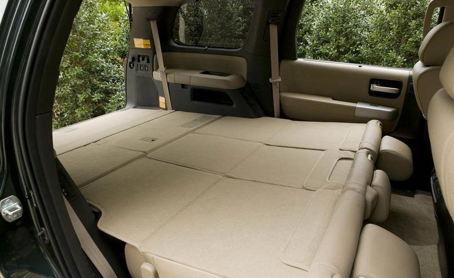 2008 Toyota Sequoia Platinum 4WD - Slide 10