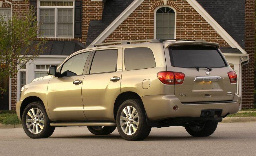 2008 Toyota Sequoia Platinum 4WD - Slide 2