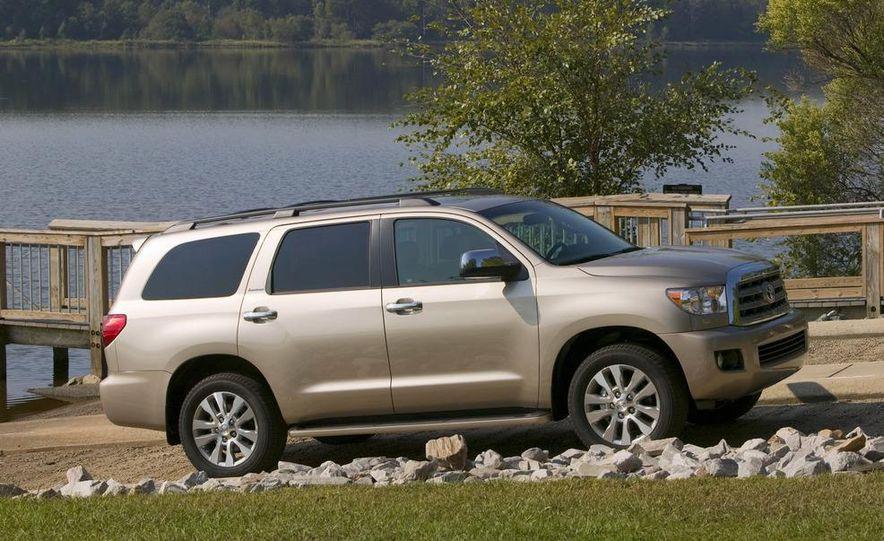 2008 Toyota Sequoia Platinum 4WD - Slide 3