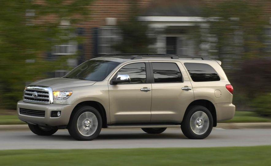 2008 Toyota Sequoia Platinum 4WD - Slide 4