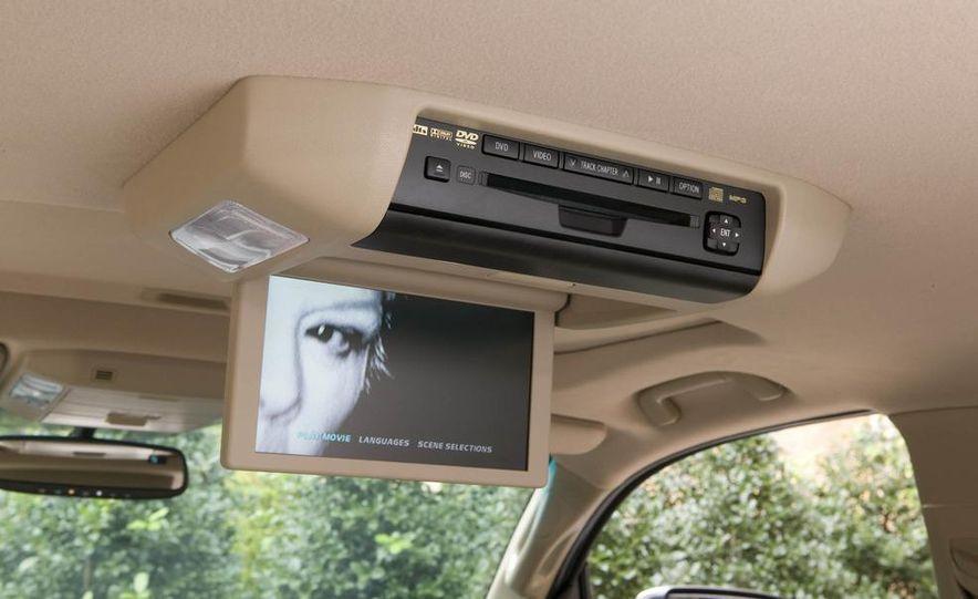 2008 Toyota Sequoia Platinum 4WD - Slide 11