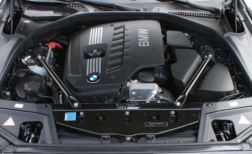 2012 BMW 528i - Slide 23