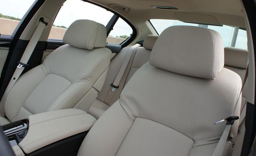 2012 BMW 528i - Slide 21