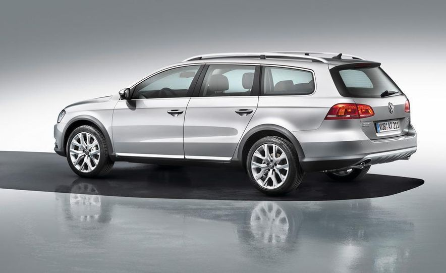 2012 Volkswagen Passat Alltrack - Slide 2