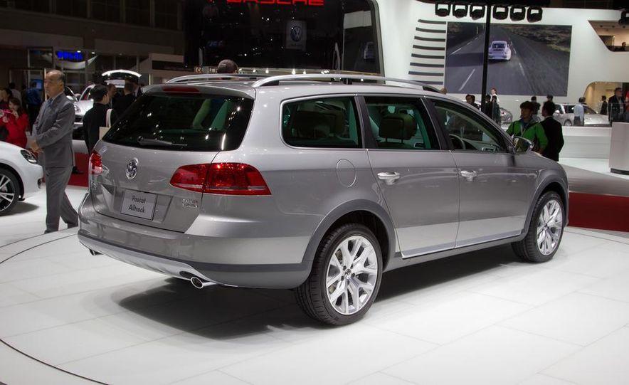 2012 Volkswagen Passat Alltrack - Slide 8