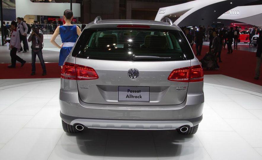 2012 Volkswagen Passat Alltrack - Slide 10