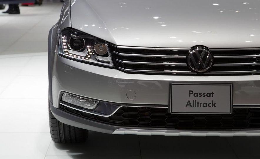 2012 Volkswagen Passat Alltrack - Slide 14