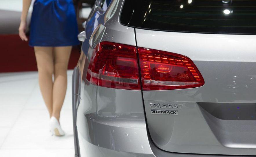2012 Volkswagen Passat Alltrack - Slide 15
