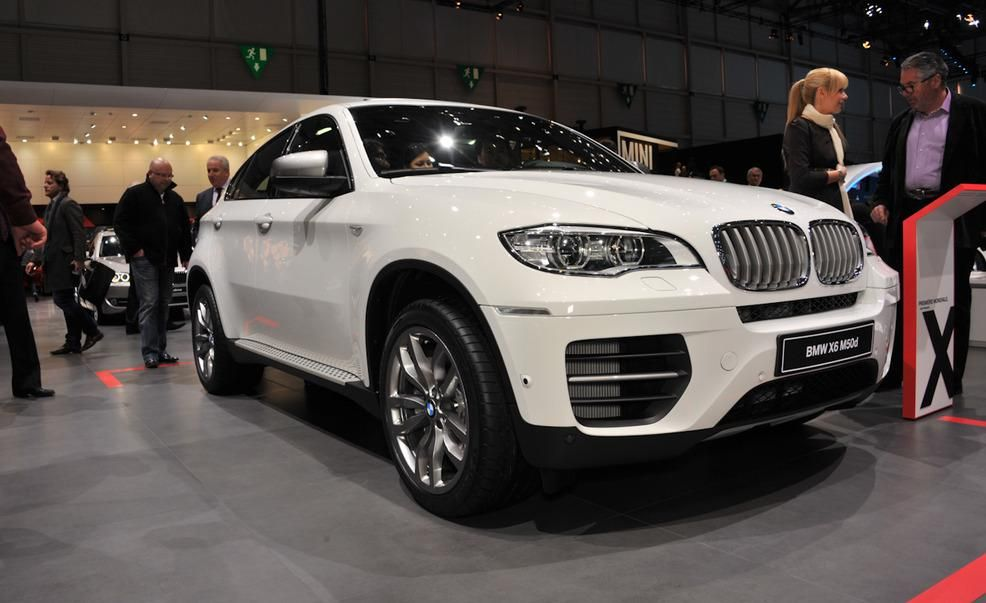 2013 BMW X6 M50d Pictures  Photo Gallery  Car and Driver