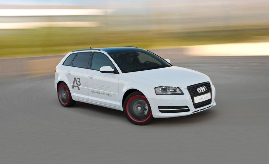 Audi A3 e-tron - Slide 1